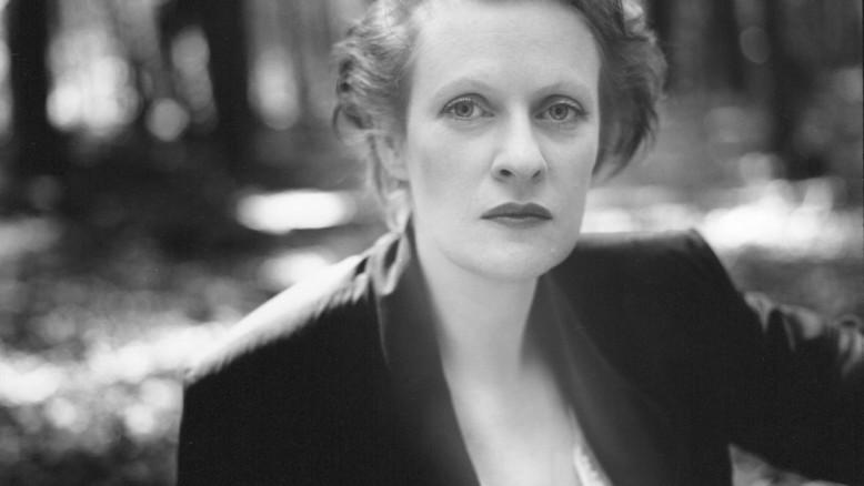 Citaten Uit De Kleine Blonde Dood : Schrijfster loes wouterson